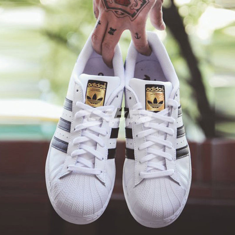 阿迪达斯 adidas男鞋三叶草金标贝壳头女鞋休闲板鞋情侣鞋c77124